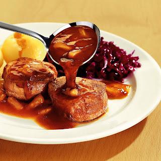Bratapfel-Honig-Sauce zu Schweinemedaillons