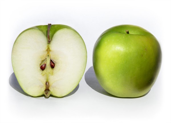 Cut, core, peel and slice your apples.  Put them aside in a bowl...