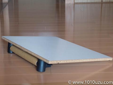 マットレスに角度をつけるため使っていた脚付きの板