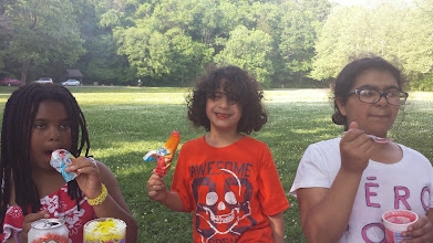Photo: can you believe an ice cream truck came rolling through the park? I was too amused!