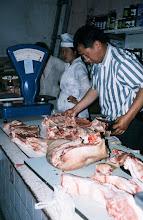 Photo: 03088 ウランバートル/風景/ダライ・エージ(海の母)/食料品専門の市場/肉屋