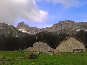 Photo: cabane de Roybon