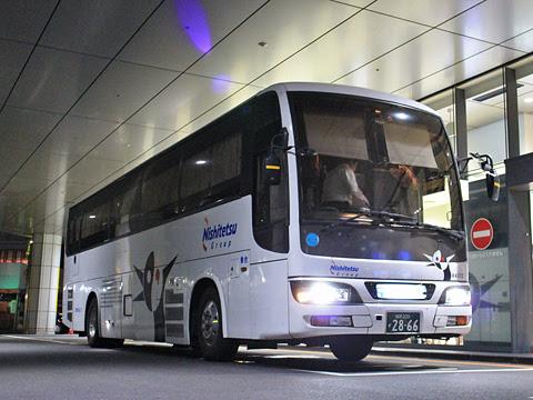 西鉄高速バス「桜島号」夜行便 4012 鹿児島中央駅前改札中