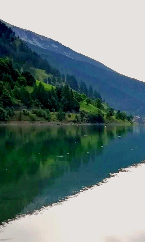 Lago a specchio  di Robyvf