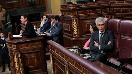 El momento que Suárez Illana da la espalda a la portavoz de EH Bildu.
