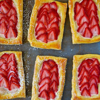 5-Ingredient Strawberry Breakfast Pastries Recipe