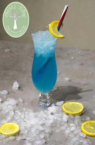 cocktails au Curacao du restaurant à Pontoise L'arbre Blanc