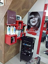 Salon Apple Dapodi photo 3
