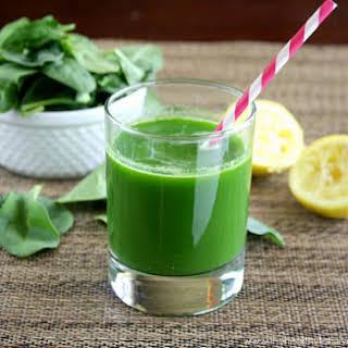 Spinach, Cucumber and Celery Juice (Raw, Vegan, Gluten-Free, Dairy-Free, Paleo-Friendly).