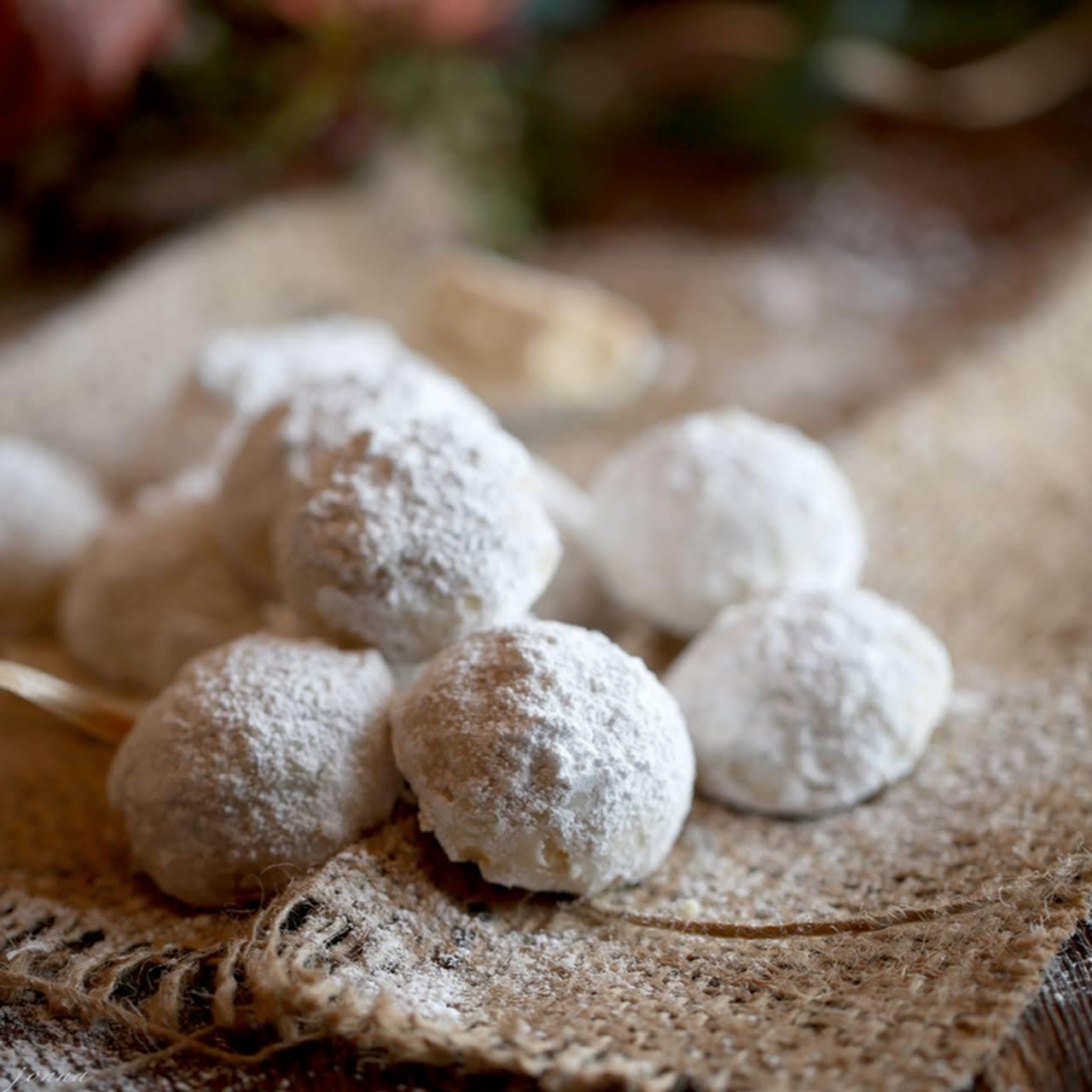 Snowball Kiss Cookies