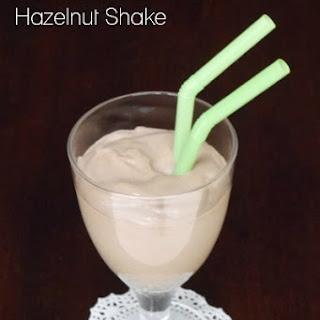 Low Carb Chocolate Hazelnut Shake.