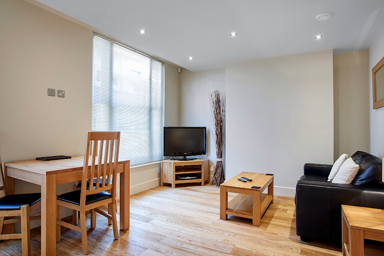 living space at Bank House - Reading