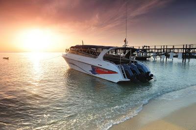 Travel from Koh Samui Bang Rak Pier to Koh Phangan Hat Rin Beach by speed boat