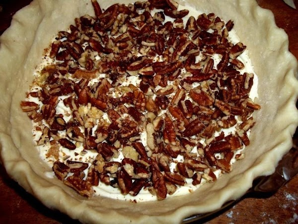 Sprinkle evenly with pecans.