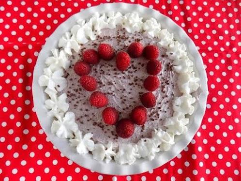 Sweetheart Raspberry Cream Pie