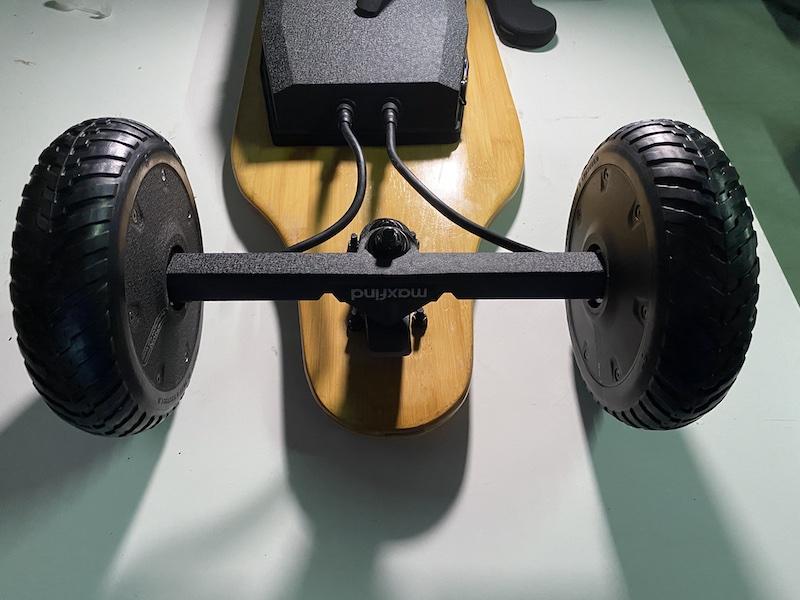 Maxfind M6 Drive Kit uses Dual Hub Motors
