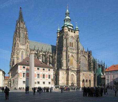 st vitus cathedral.jpg