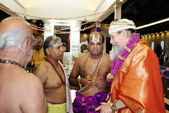 Photo: Satguru is speaking with Ramesh Natarajan