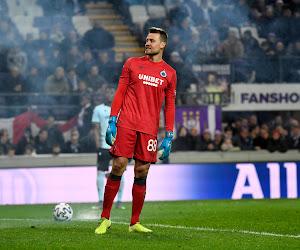 """Mignolet laat licht schijnen over vertrek bij Liverpool: """"Zelfs met 15 clean sheets in 15 wedstrijden zou ik terugkeren naar de bank"""""""