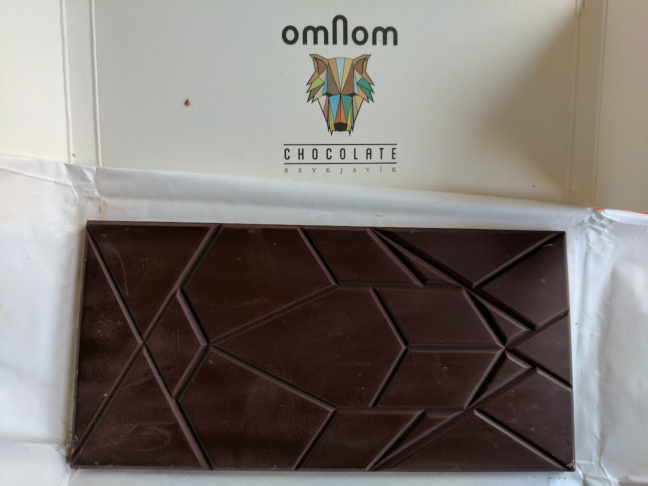 70% omnom bar open