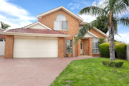 Photo of property at 26 Martens Court, Taylors Lakes 3038