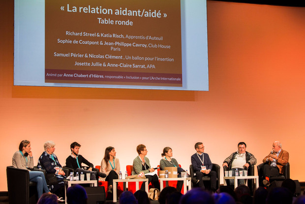 Table-ronde sur la relation Aidants-Aidés