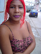 Photo: woman with red hair, cuba. Tracey Eaton photo.