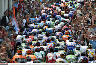 Photo: The Belgian love thier cycling!