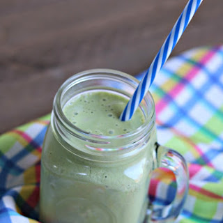 Green Peanut Butter Banana Smoothie
