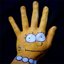 Photo: Maquillaje mano lisa simpson