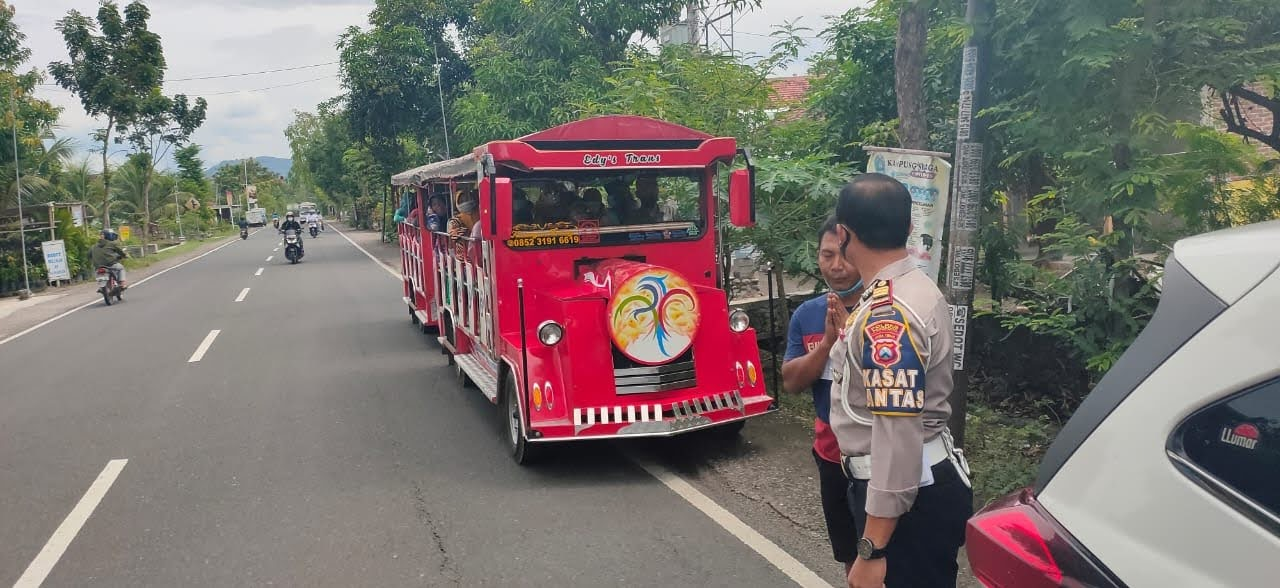 Satlantas Polres Ponorogo Tindak Kereta Kelinci Yang Beroperasi Di Jalan Raya