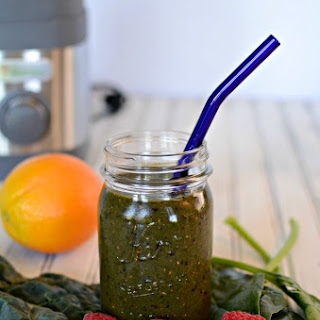 Delicious Summer Berry Green Smoothie.