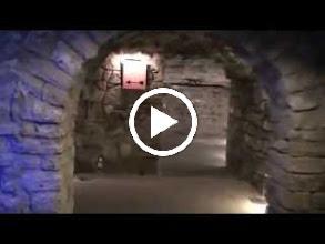 Video: hungary, travel, labirintus, budapest