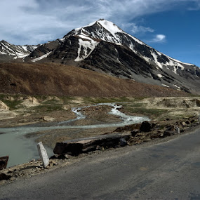 Going with the flow...on the worlds highest roads by Rohit Chawla - Landscapes Mountains & Hills ( manali-leh highway, nature, himalaya, highway, cosurvivor, world's highest roads, ladakh, landscape, himachal, roadtrip )