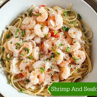 Shrimp And Seafood Pasta In Garlic Lemon Sauce.