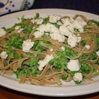 Fettuccine With Smashed Peas