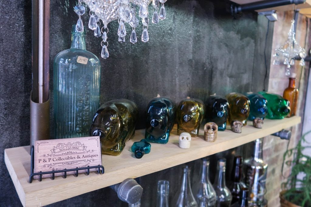 P & P Collectibles: Glass Pigs and Skulls