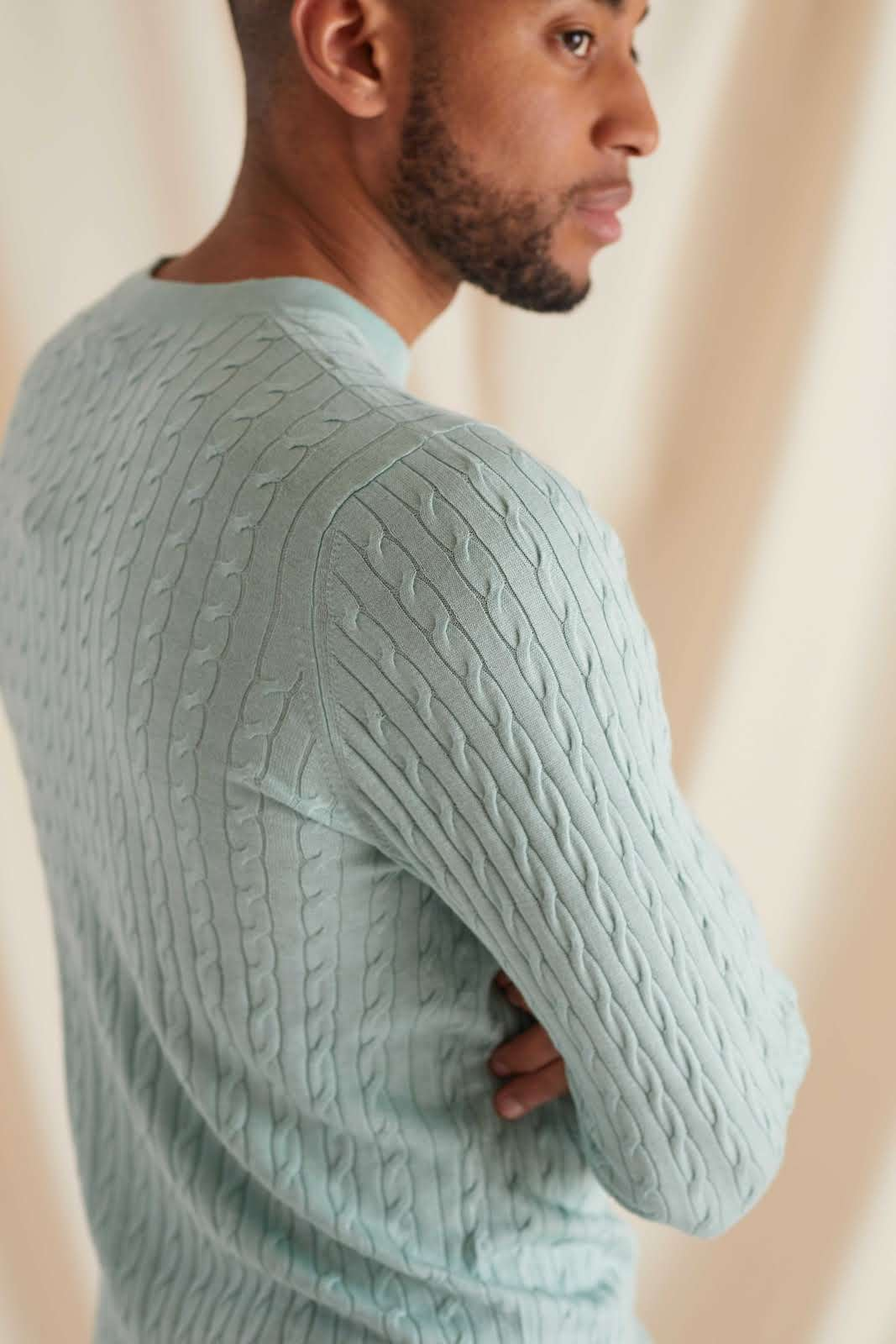 Man Fine Knit Cable Sweater