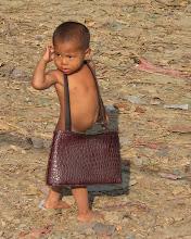 Photo: Clothes make the man, Myanmar