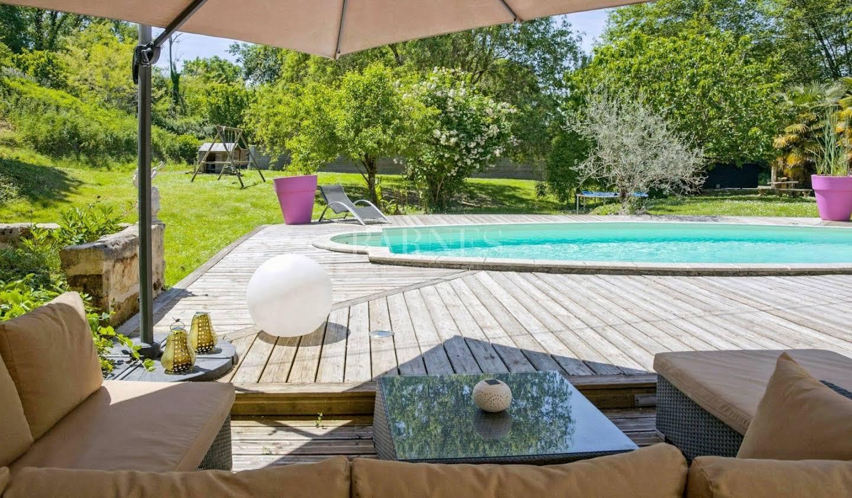 Maison avec piscine et terrasse Quinsac