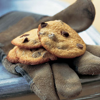 Puffed-Up Chocolate-Chip Cookies