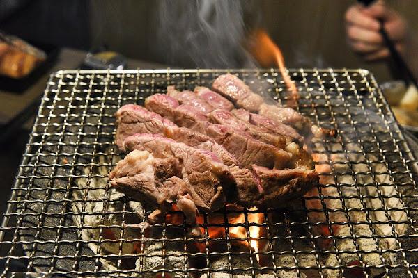 愛烤愛對囉炭火燒肉吃到飽,夏季限定泰好吃菜色,肉品海鮮無限享用!
