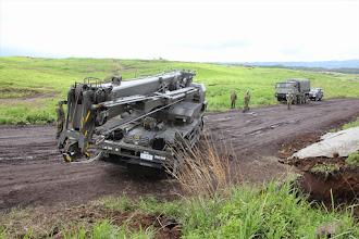 Photo: トラック・クレーン(春季演習場定期整備・第1施設団)