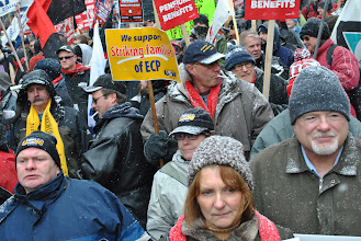 Photo: People take to the streets in support of Steelworkers Local 1005.