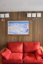 Photo: Point de vue sue les espaces détentes de la réception de la résidence Deneb, à Risoul, dans les Alpes du Sud