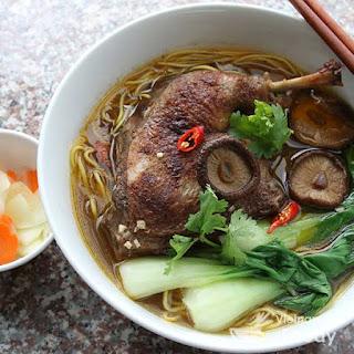 Vietnamese Duck and Egg Noodle Soup (Mi Vit Tiem Recipe).