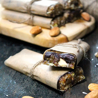 Raw Trail Mix Bars