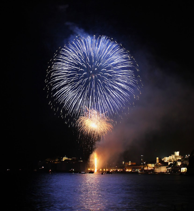 by Milan Kovač - Abstract Fire & Fireworks