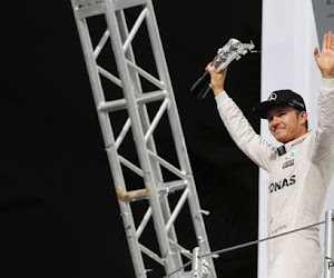 ? Voormalig Mercedes-rijder showt mooie bolide op Twitter