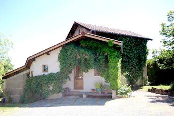 maison à Haute-Rivoire (69)